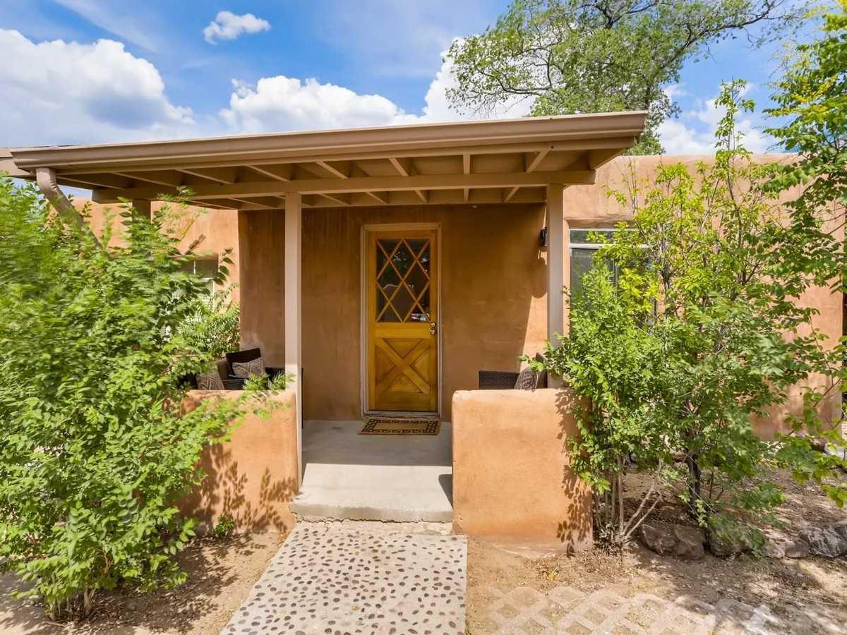 $765,000 - 6Br/4Ba -  for Sale in Santa Fe