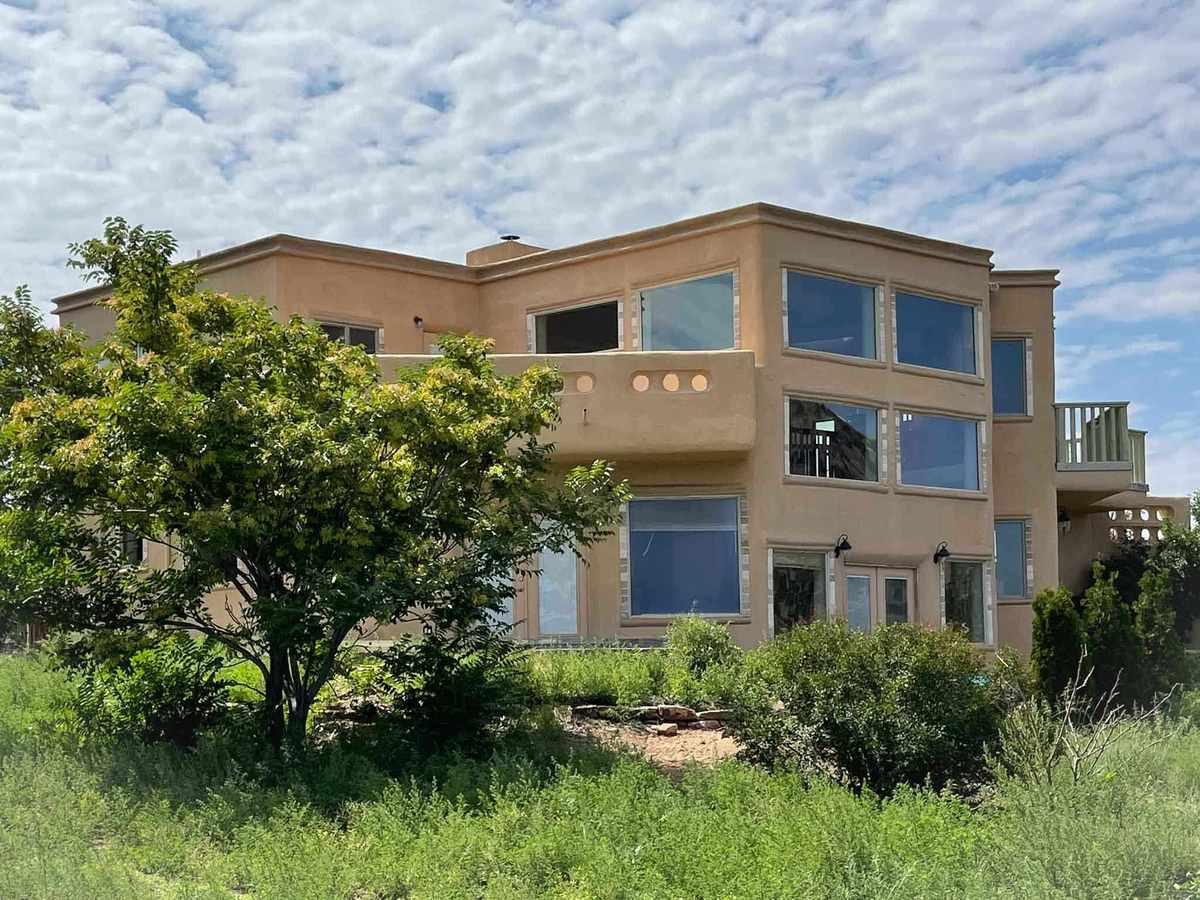 $885,000 - 3Br/3Ba -  for Sale in Santa Fe