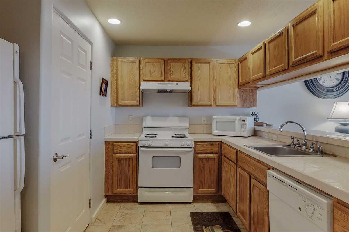 $275,000 - 2Br/2Ba -  for Sale in Santa Fe
