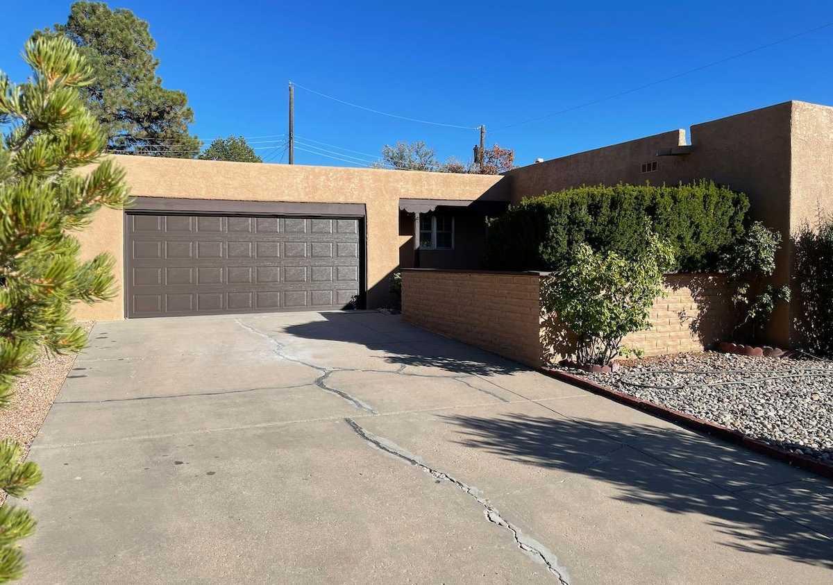 $550,000 - 4Br/2Ba -  for Sale in Santa Fe