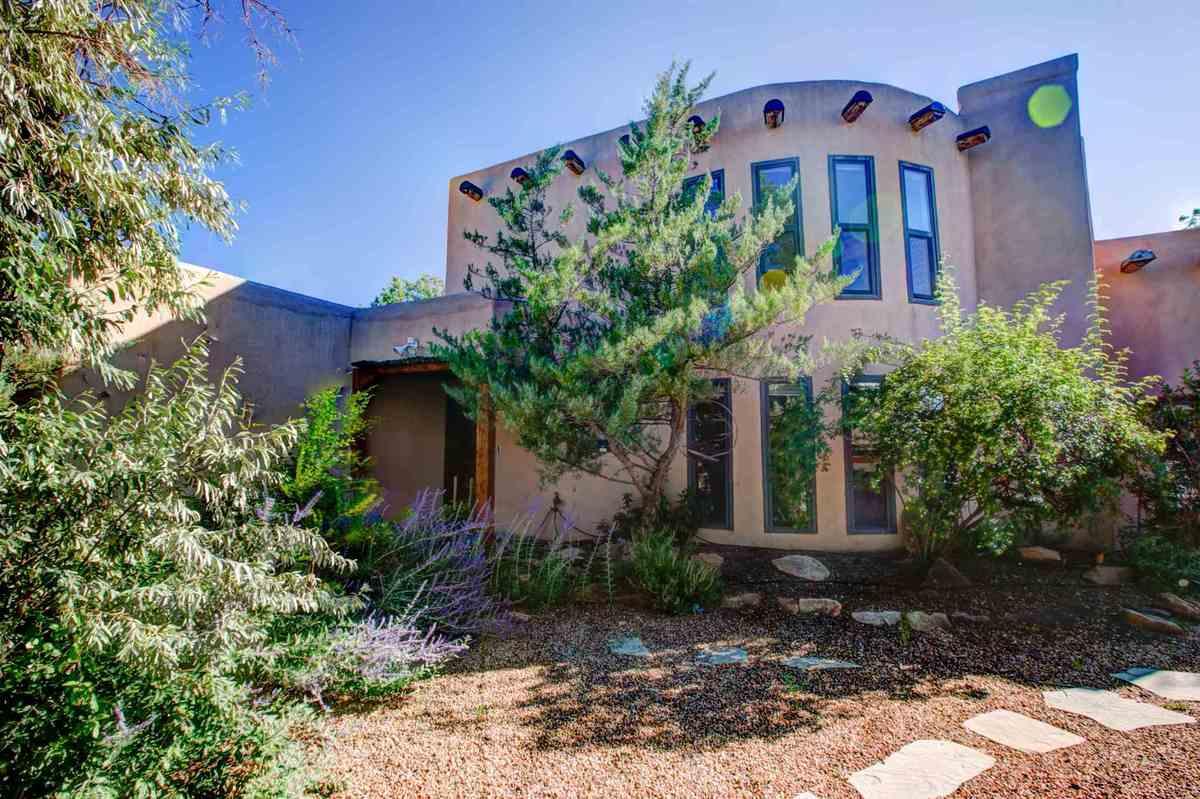 $635,000 - 3Br/2Ba -  for Sale in Santa Fe