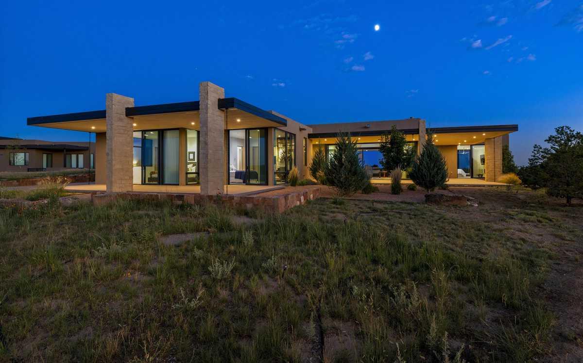 $2,975,000 - 4Br/5Ba -  for Sale in Santa Fe