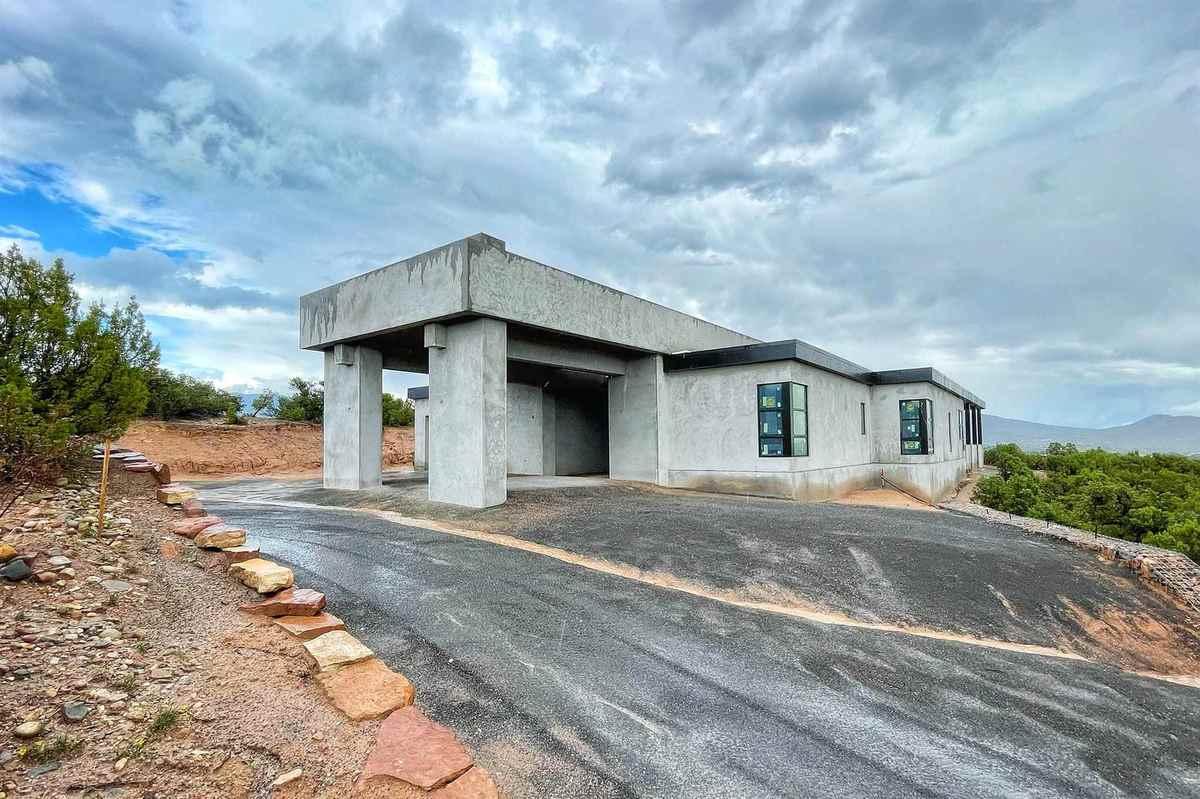$2,795,000 - 4Br/4Ba -  for Sale in Las Estrellas, Santa Fe