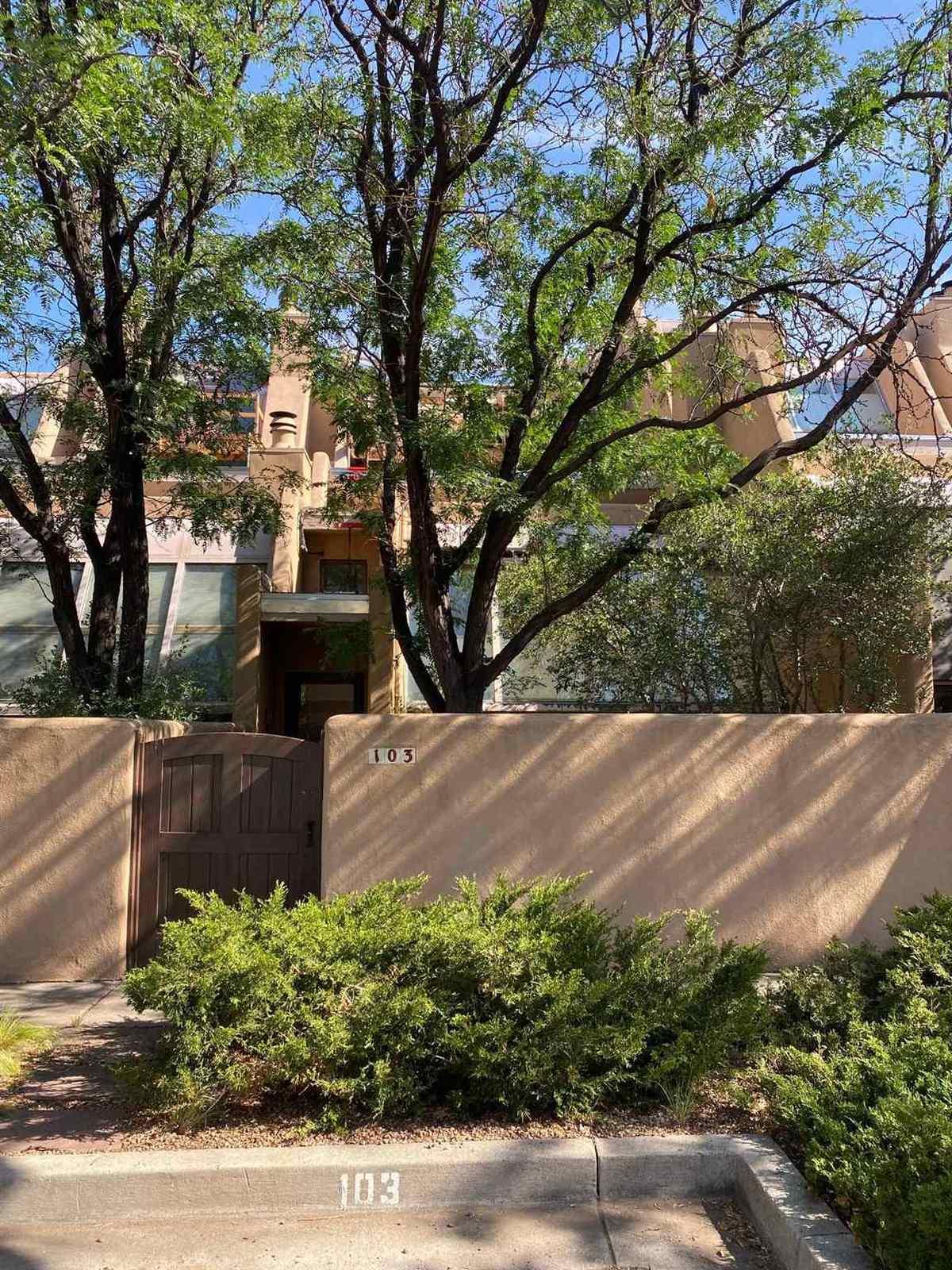 $225,000 - 2Br/2Ba -  for Sale in Santa Fe