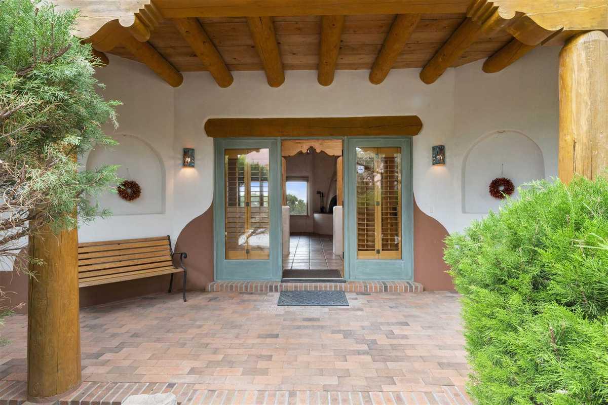 $999,000 - 4Br/4Ba -  for Sale in Las Campanas, Santa Fe