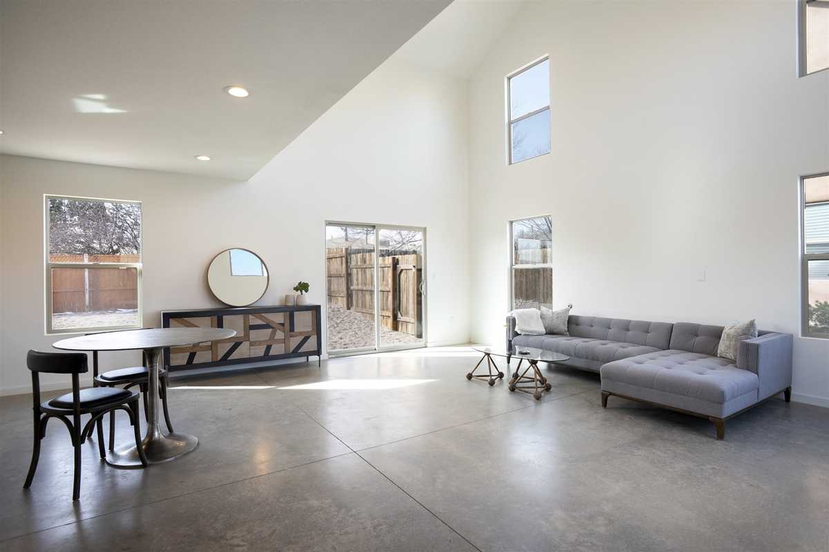 $565,000 - 2Br/2Ba -  for Sale in Santa Fe