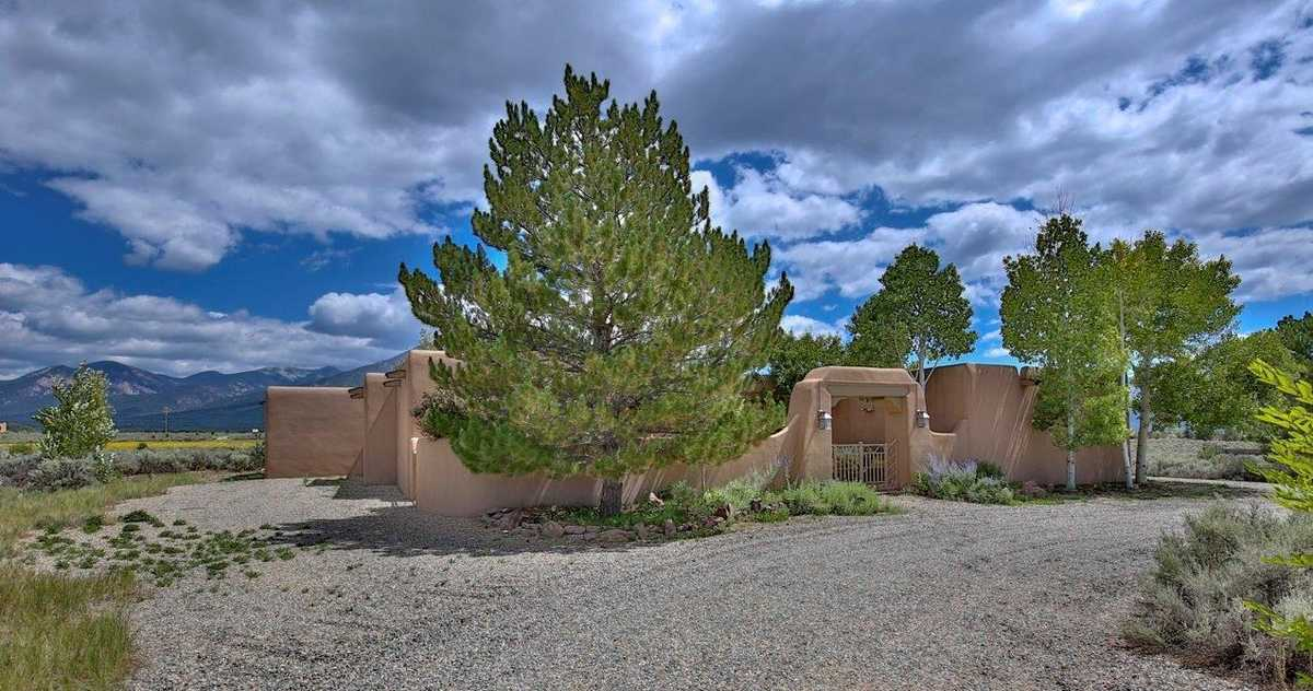 $1,300,000 - 4Br/4Ba -  for Sale in Taos