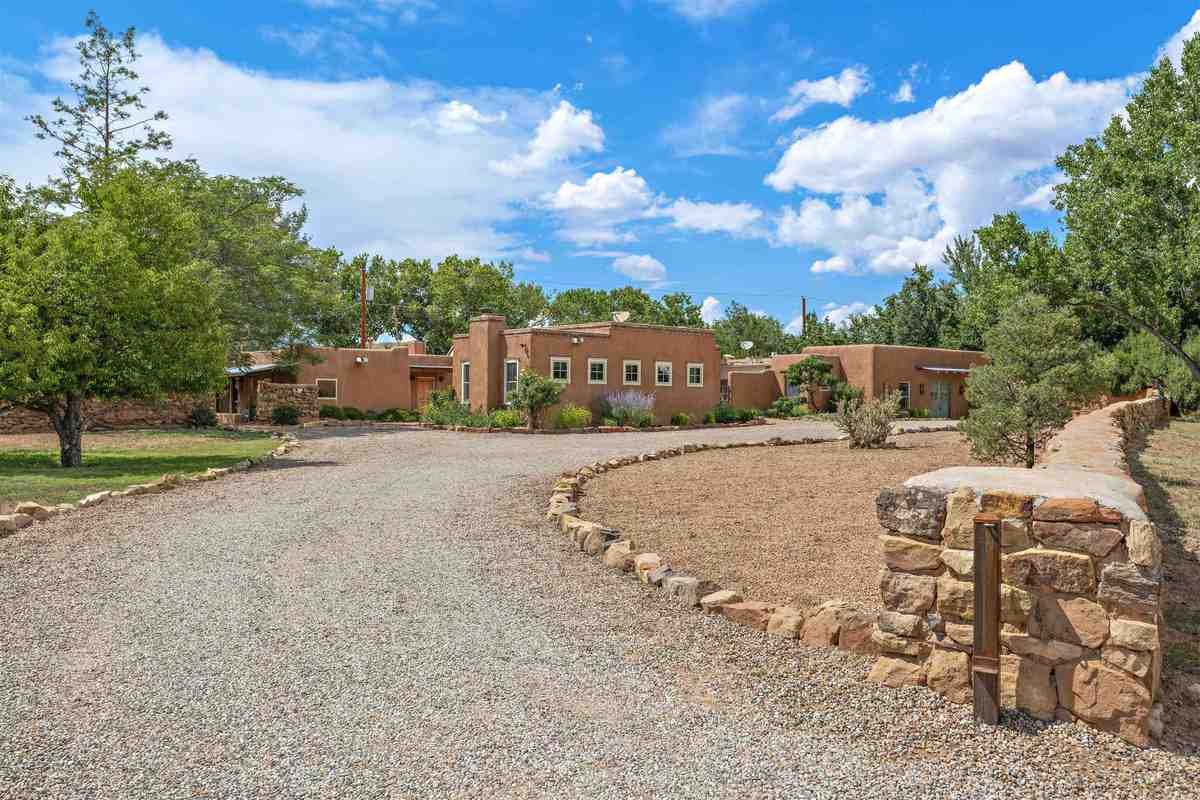 $1,495,000 - 4Br/4Ba -  for Sale in Galisteo