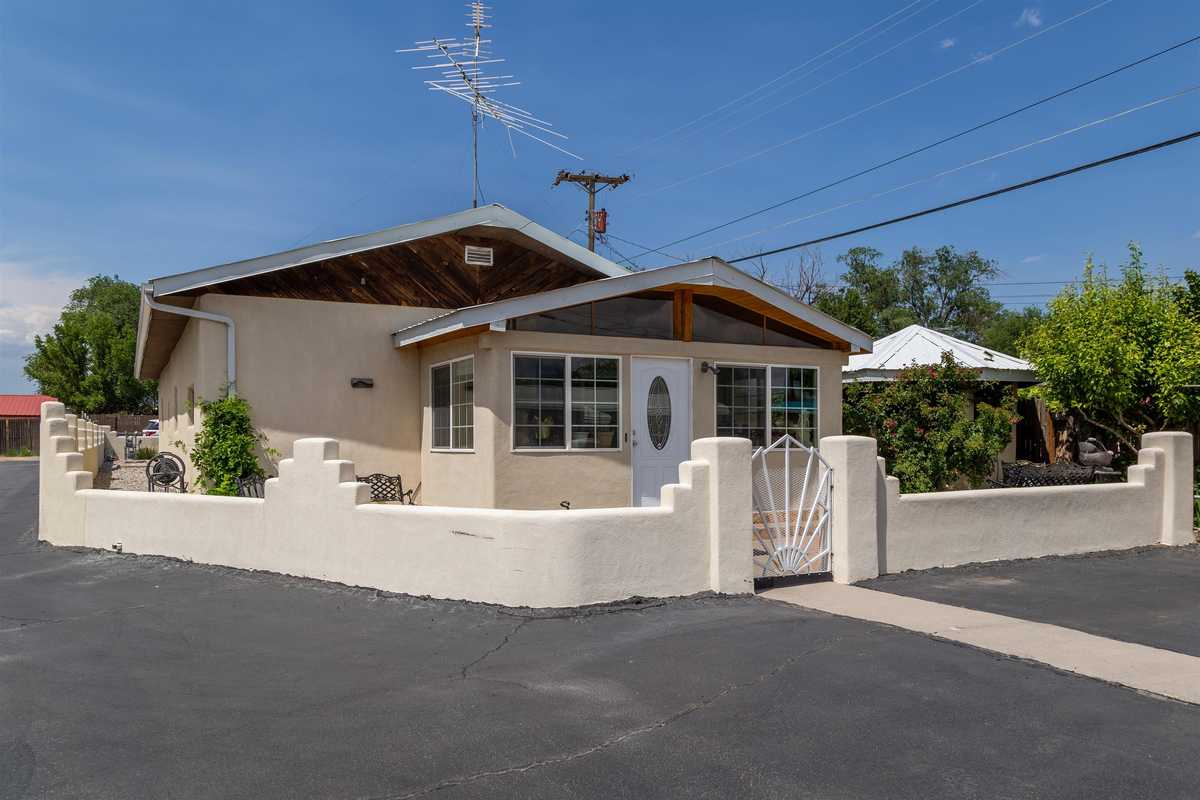 $524,000 - 5Br/5Ba -  for Sale in Espanola