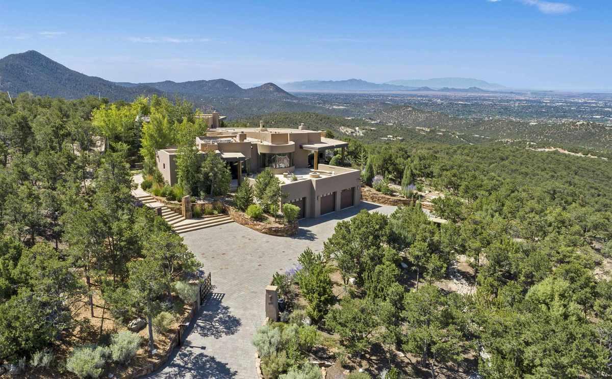 $5,490,000 - 4Br/5Ba -  for Sale in High Summit, Santa Fe