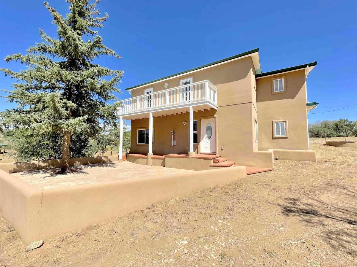 $575,500 - 4Br/3Ba -  for Sale in Santa Fe