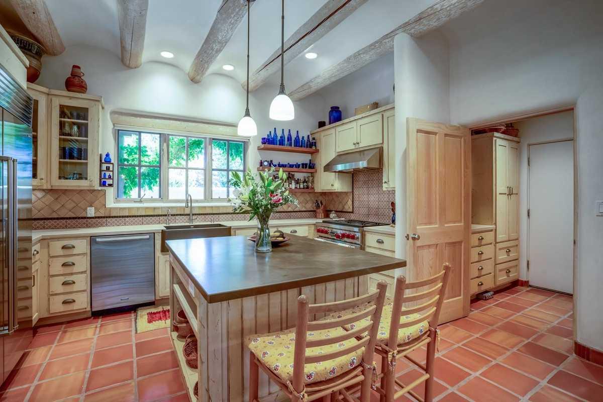 $1,369,000 - 4Br/4Ba -  for Sale in Santa Fe