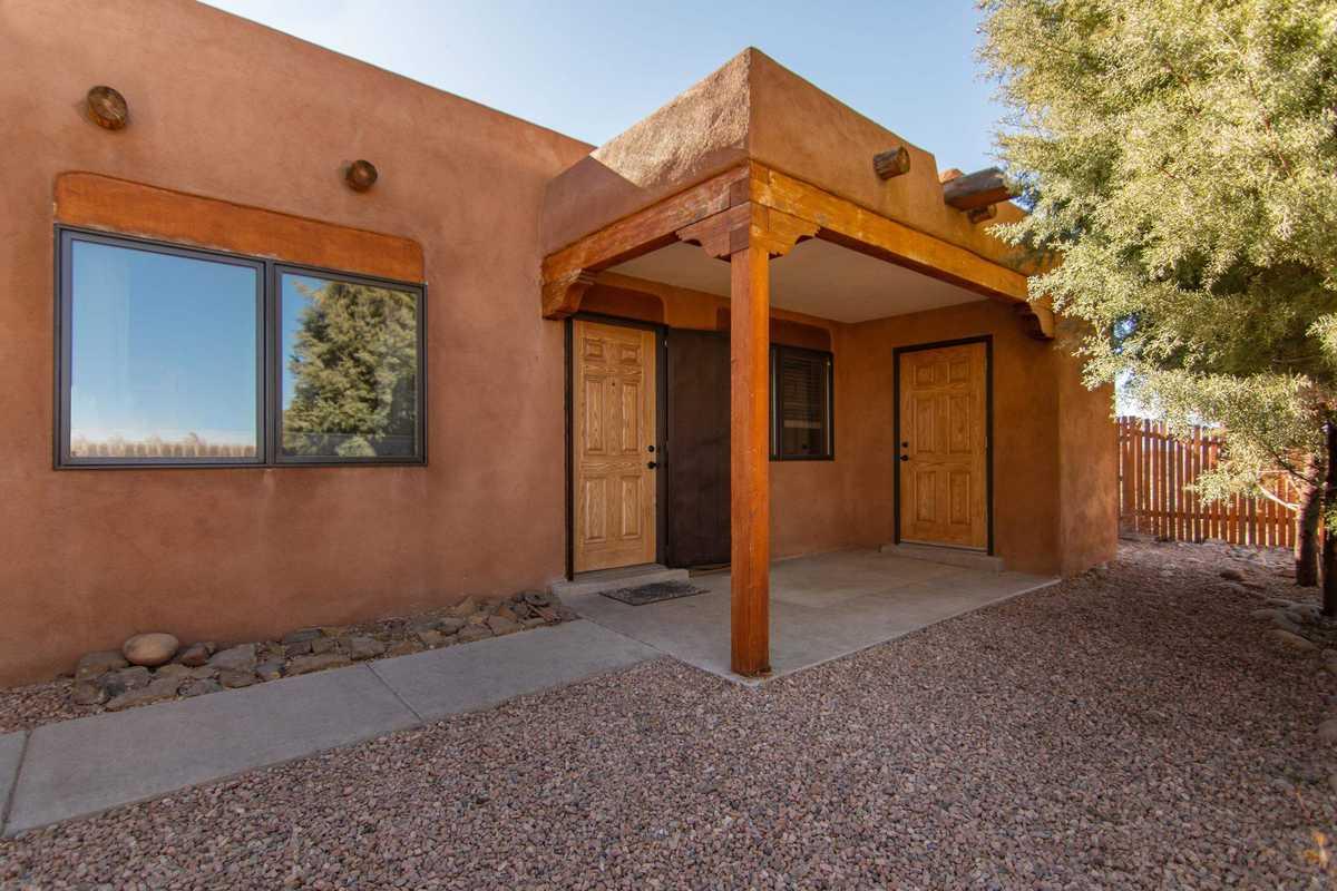 $299,000 - 2Br/2Ba -  for Sale in Tierra De Zia, Santa Fe