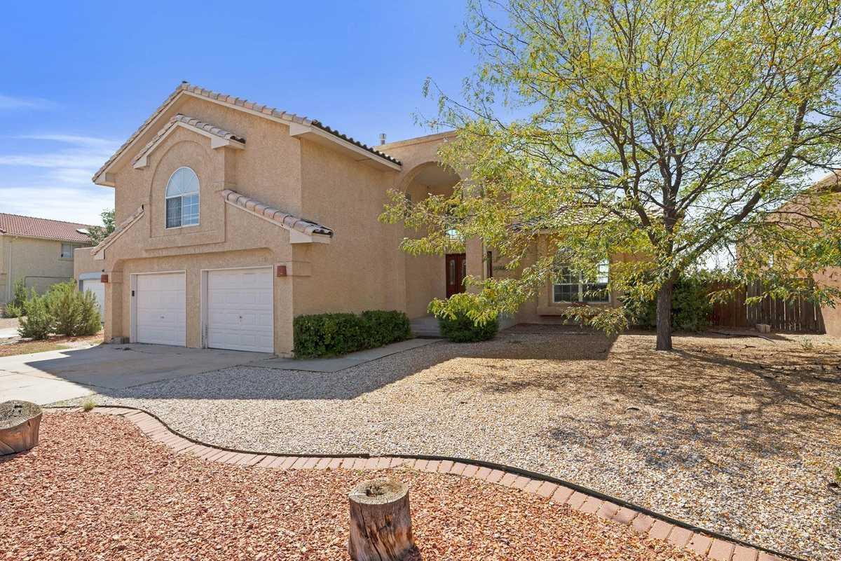 $520,000 - 4Br/3Ba -  for Sale in Vista Primera, Santa Fe