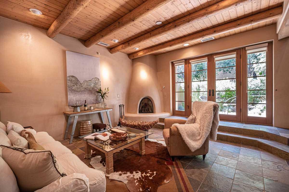 $750,000 - 2Br/3Ba -  for Sale in Santa Fe
