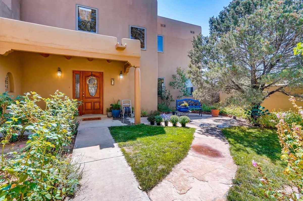 $949,900 - 4Br/3Ba -  for Sale in Santa Fe