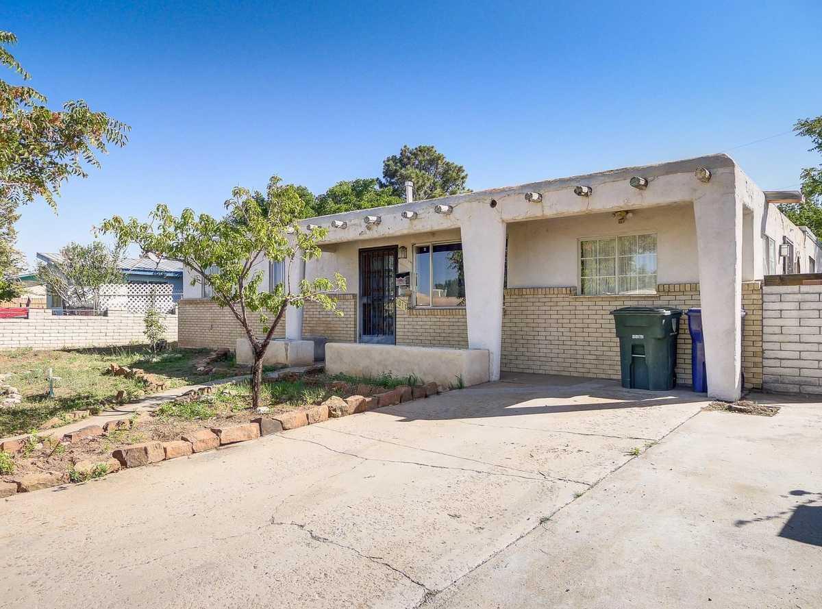 $319,000 - 4Br/3Ba -  for Sale in La Resolana, Santa Fe