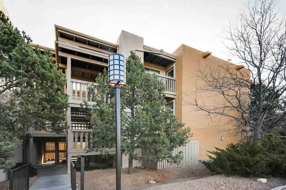 $185,000 - 1Br/1Ba -  for Sale in Santa Fe