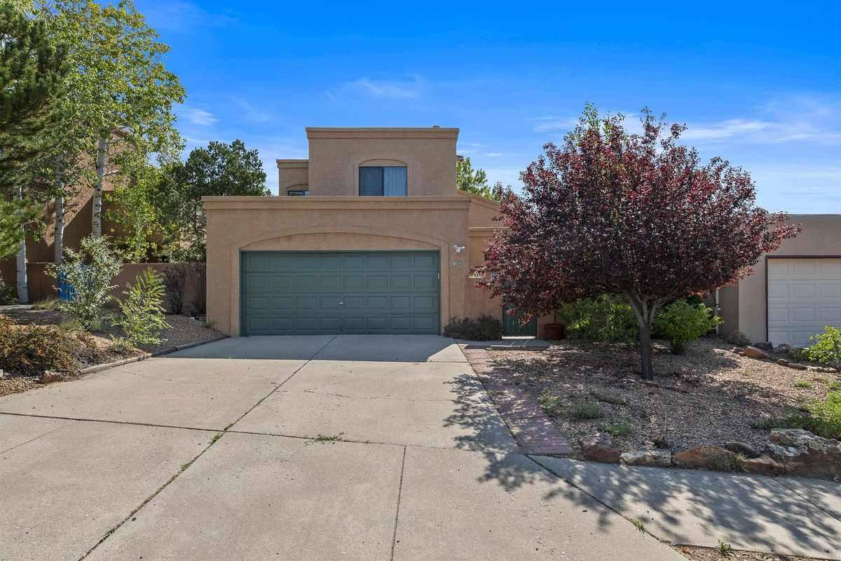 $549,000 - 4Br/3Ba -  for Sale in Santa Fe