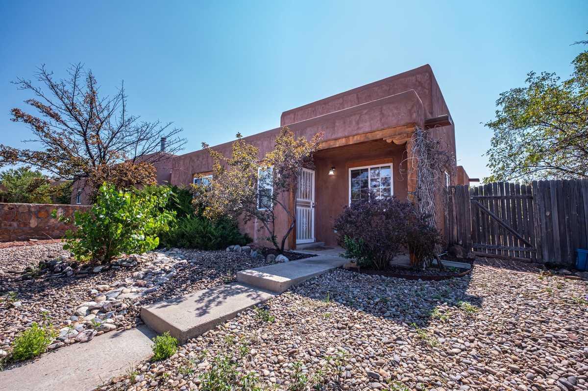 $340,000 - 3Br/2Ba -  for Sale in Santa Fe
