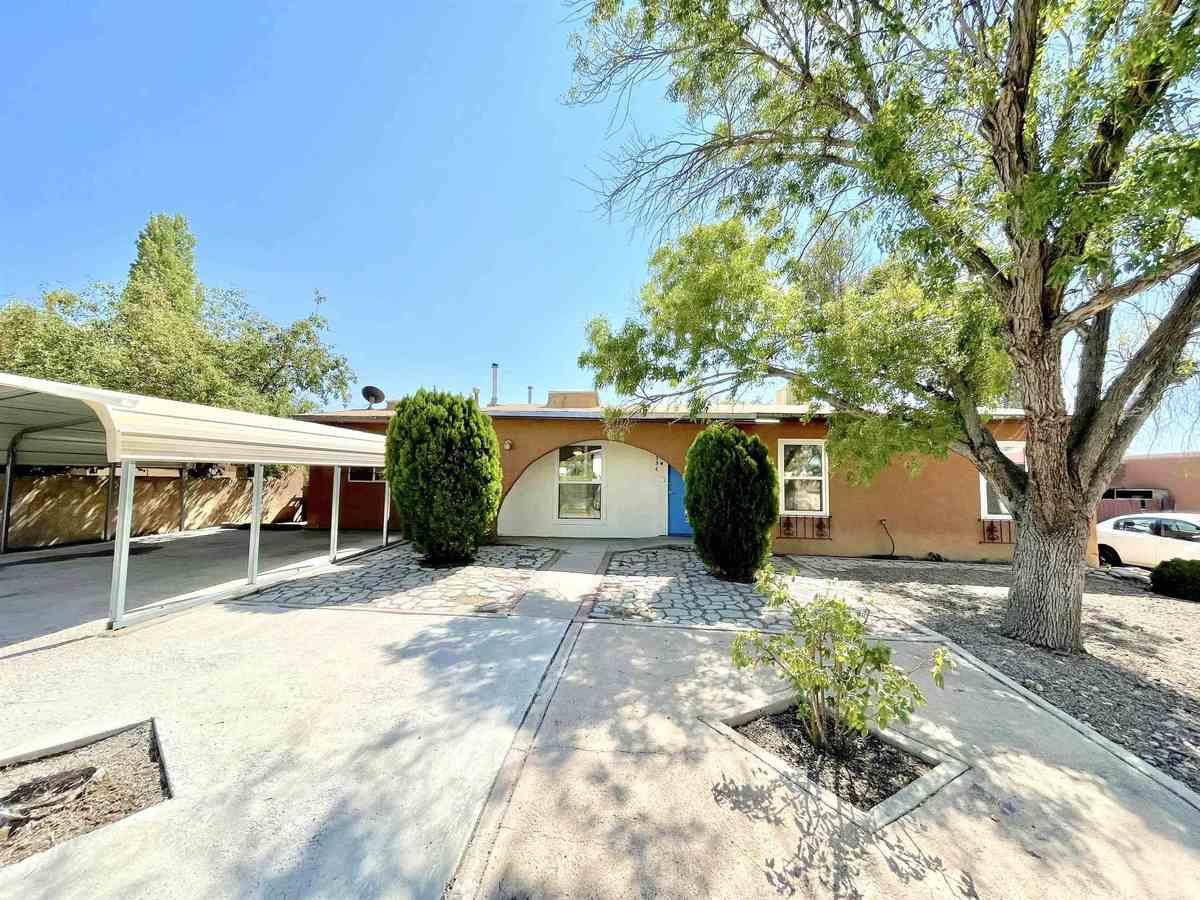 $329,900 - 4Br/2Ba -  for Sale in Santa Fe