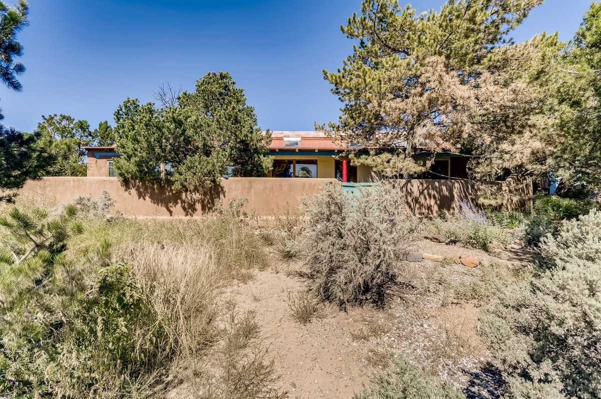 $485,000 - 2Br/3Ba -  for Sale in Santa Fe
