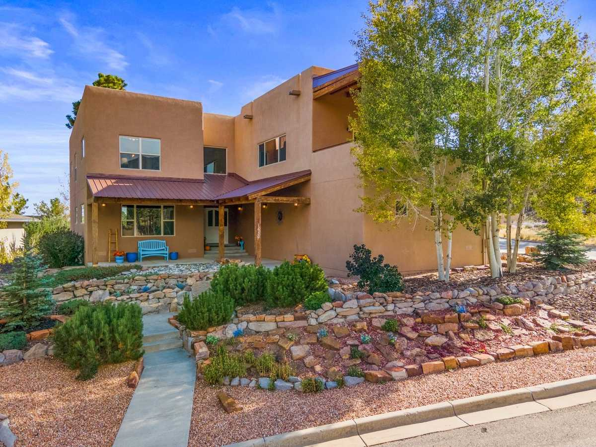 $799,000 - 4Br/4Ba -  for Sale in Los Alamos