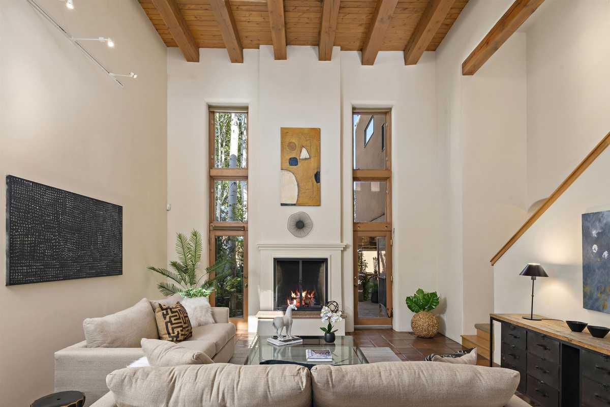 $1,380,000 - 3Br/3Ba -  for Sale in Los Miradores, Santa Fe