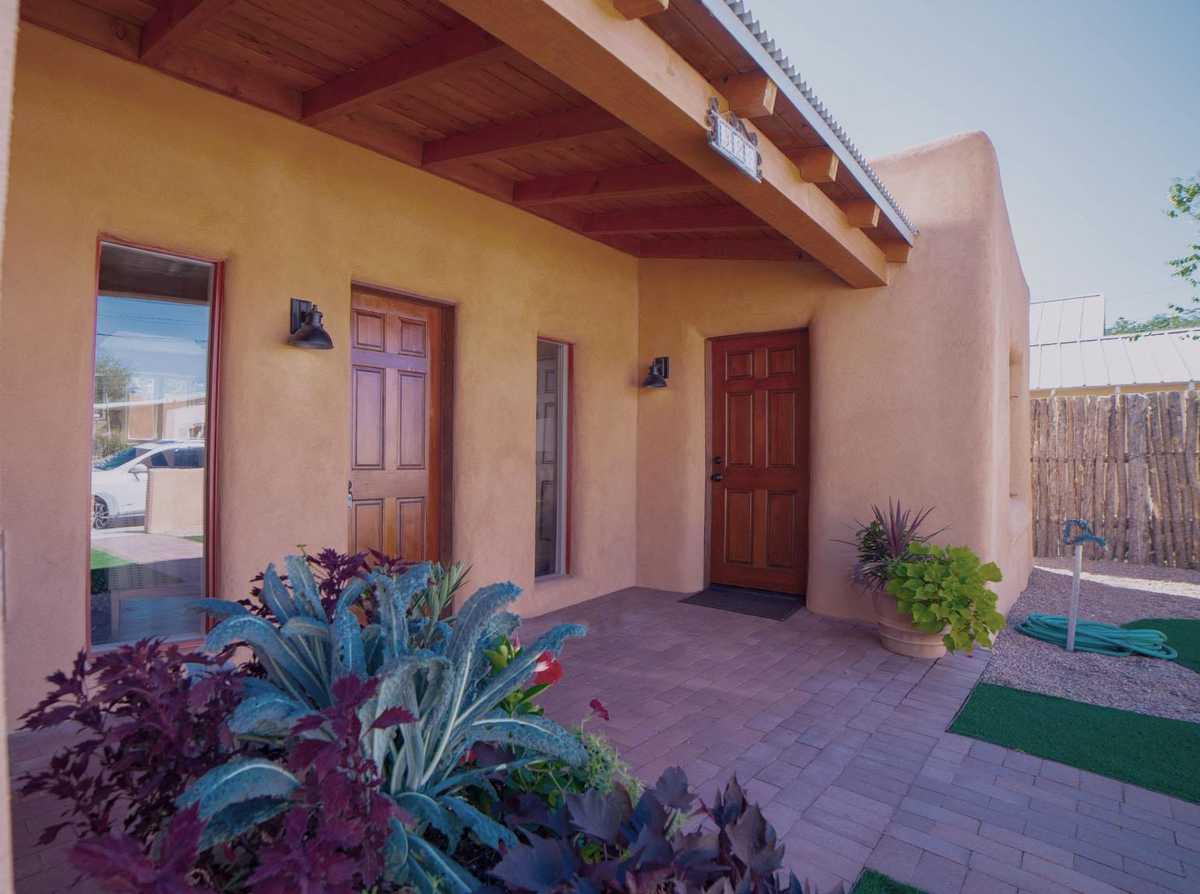 $955,000 - 3Br/2Ba -  for Sale in Santa Fe