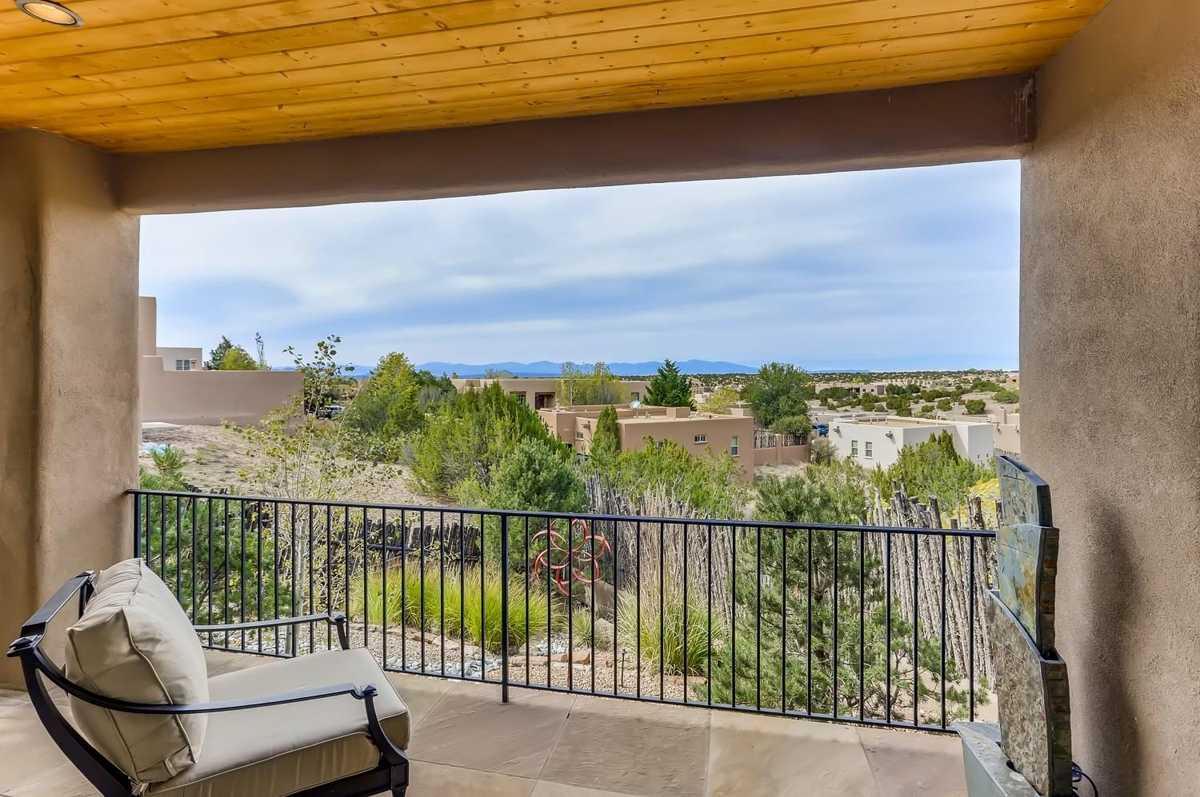 $850,000 - 3Br/2Ba -  for Sale in Aldea De Santa Fe, Santa Fe