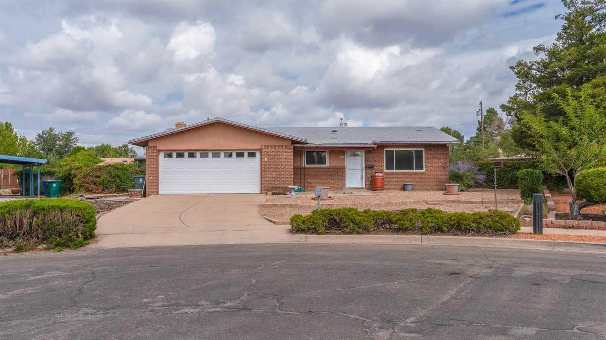 $399,000 - 3Br/2Ba -  for Sale in Santa Fe