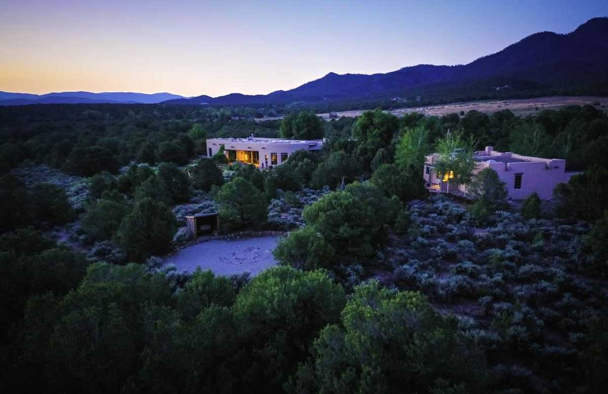 $2,990,000 - 4Br/5Ba -  for Sale in Taos