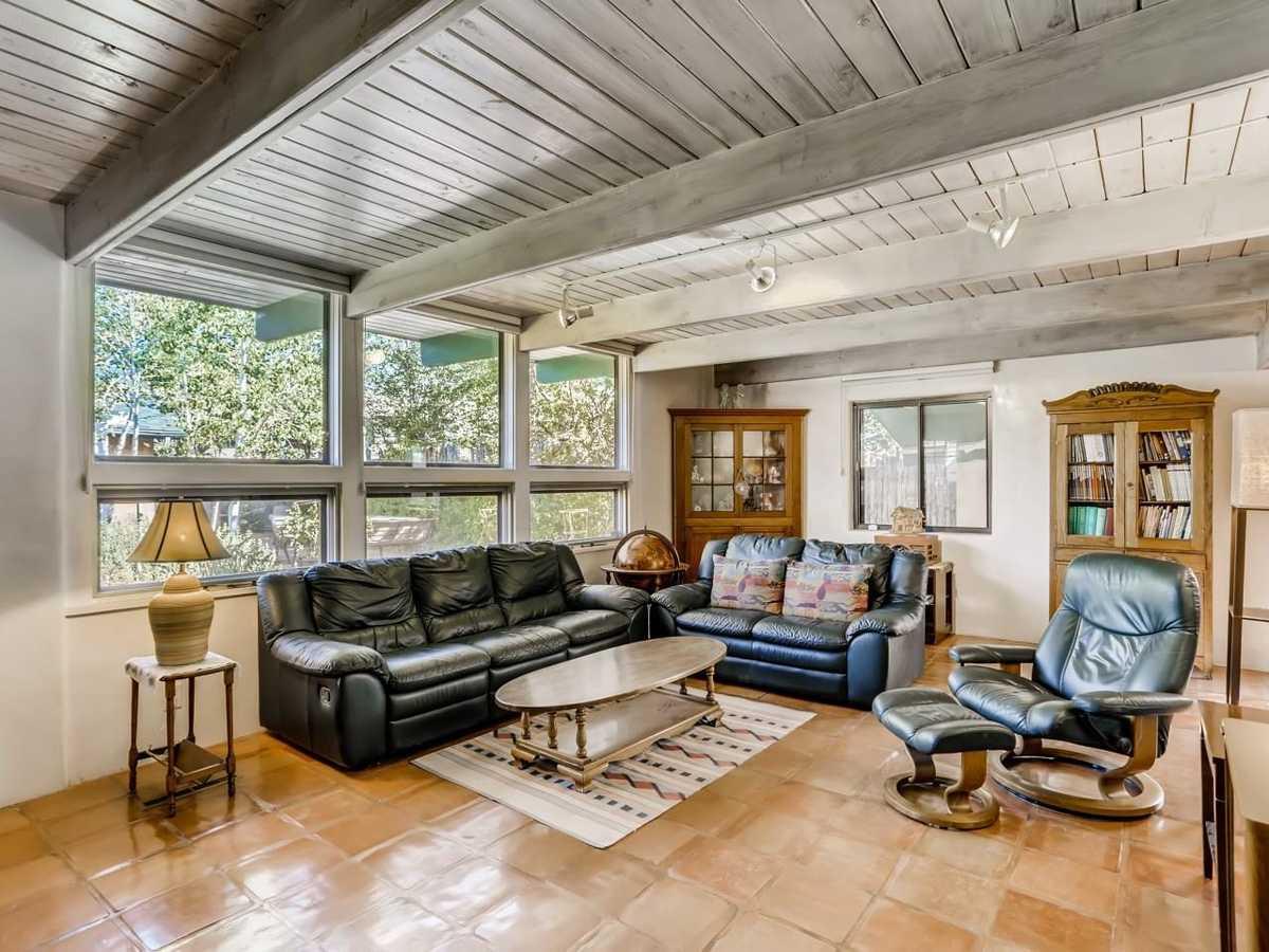 $800,000 - 4Br/2Ba -  for Sale in Santa Fe