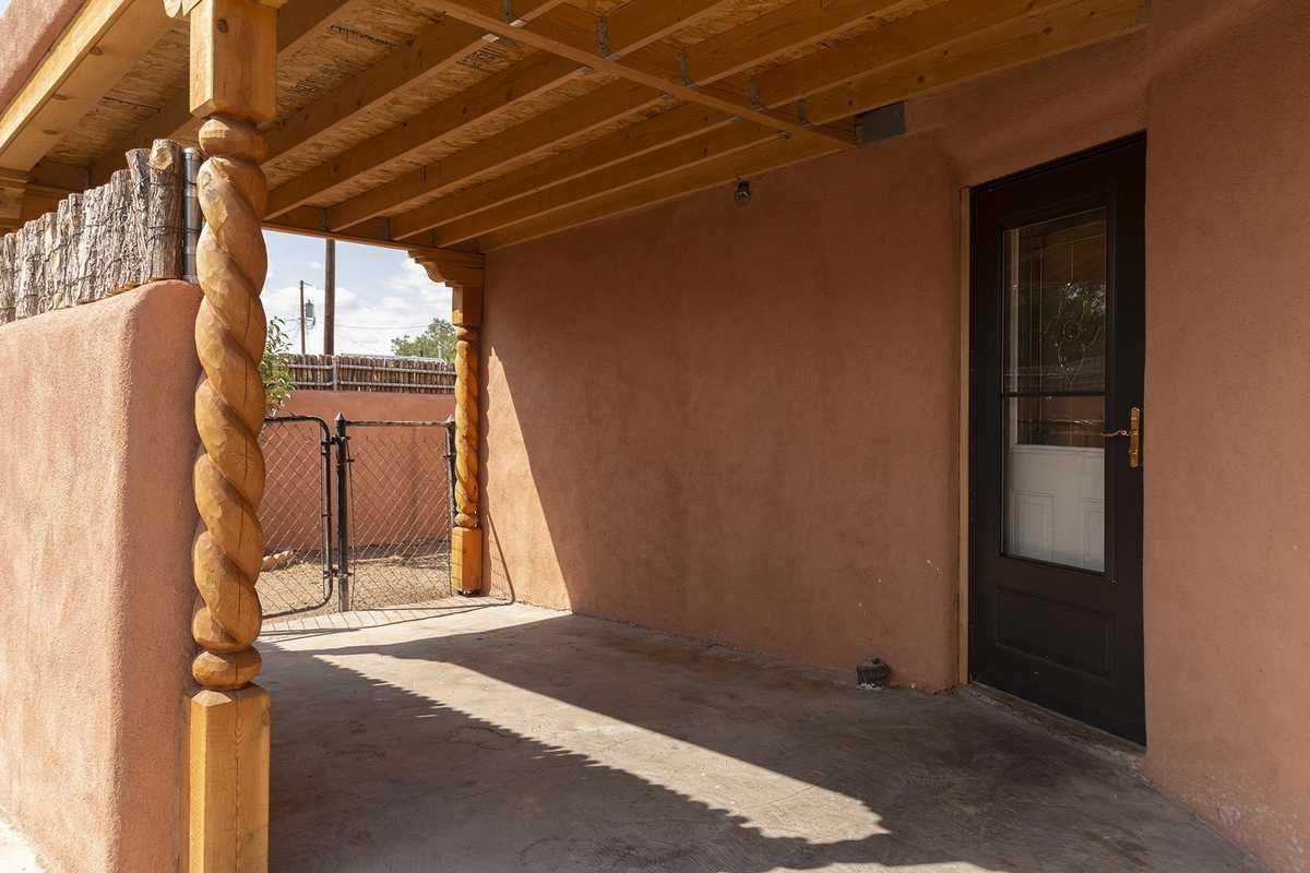 $600,000 - 2Br/2Ba -  for Sale in Santa Fe