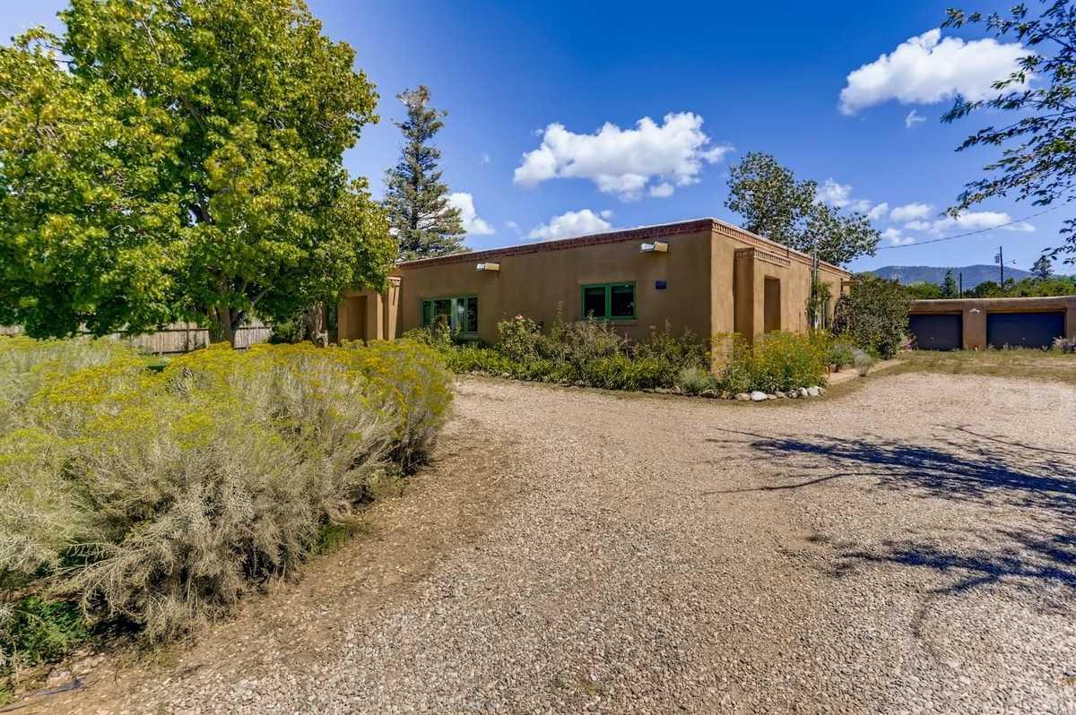 $1,450,000 - 3Br/2Ba -  for Sale in Santa Fe