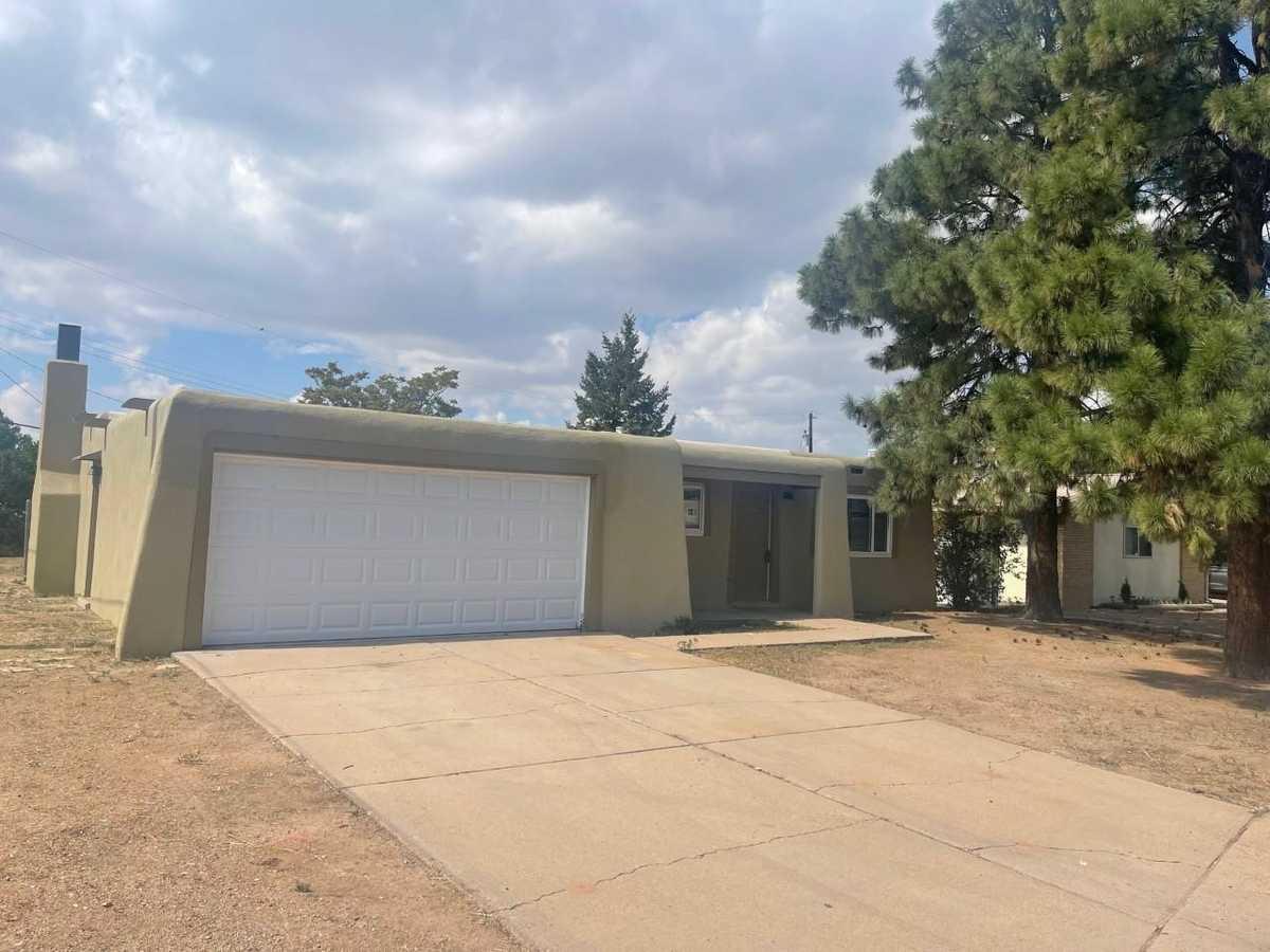 $367,900 - 3Br/2Ba -  for Sale in Santa Fe