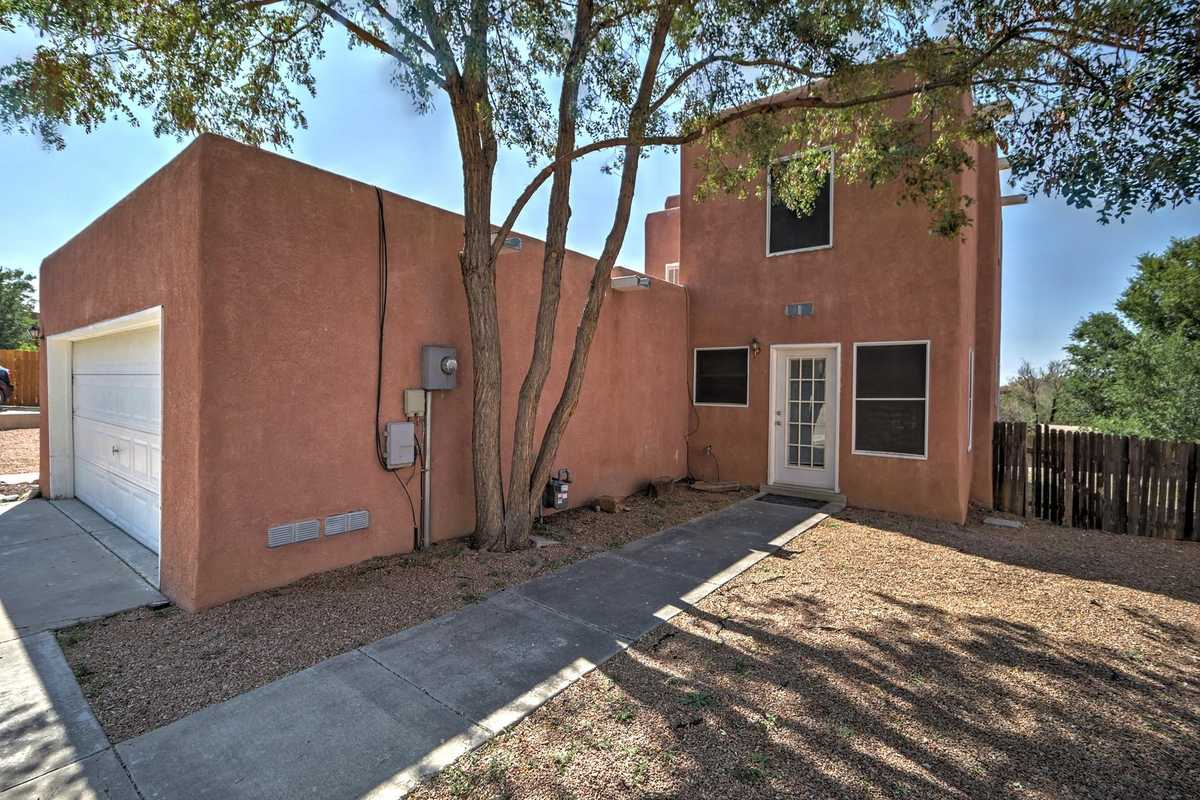 $495,000 - 4Br/2Ba -  for Sale in Santa Fe