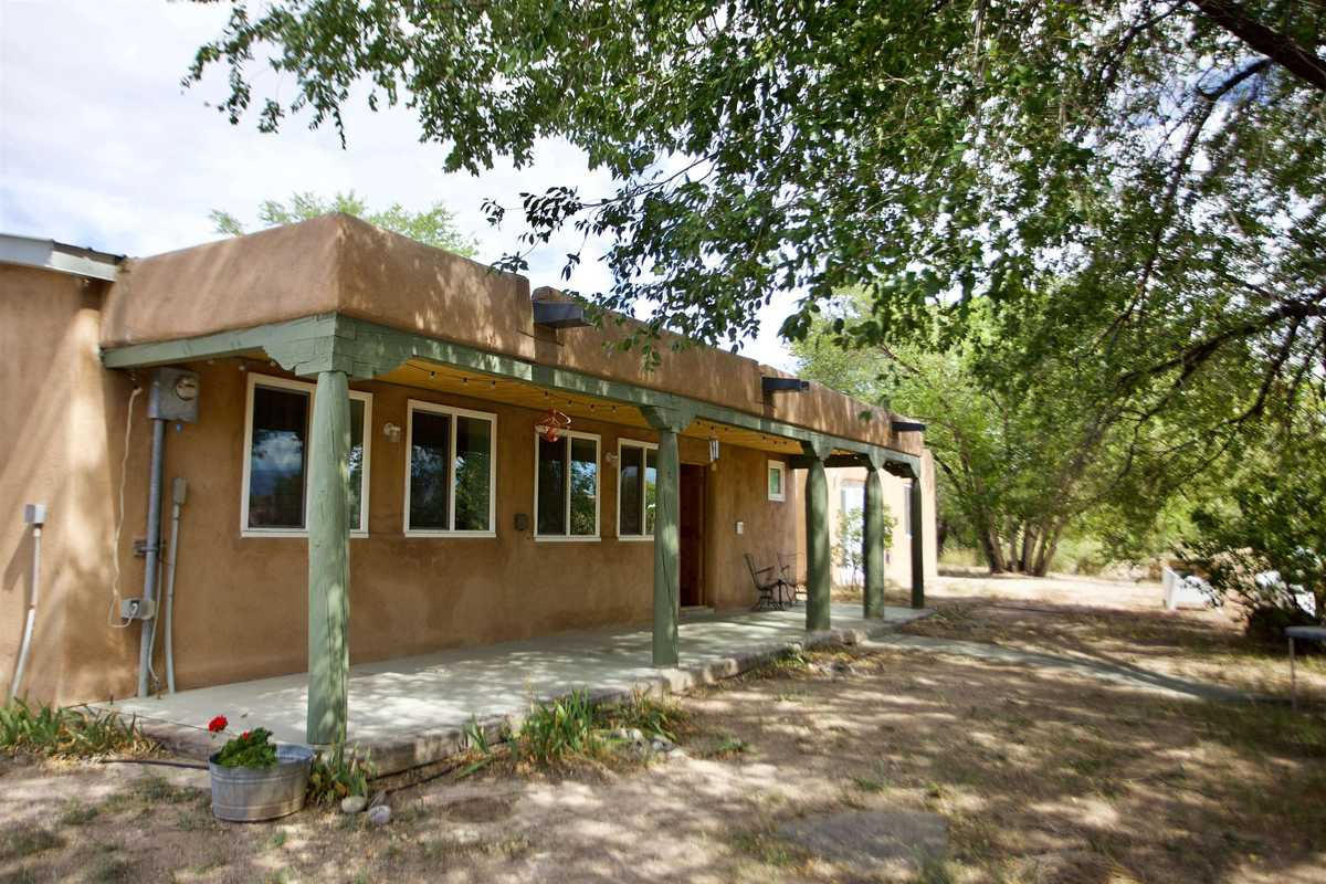 $325,000 - 3Br/2Ba -  for Sale in Espanola
