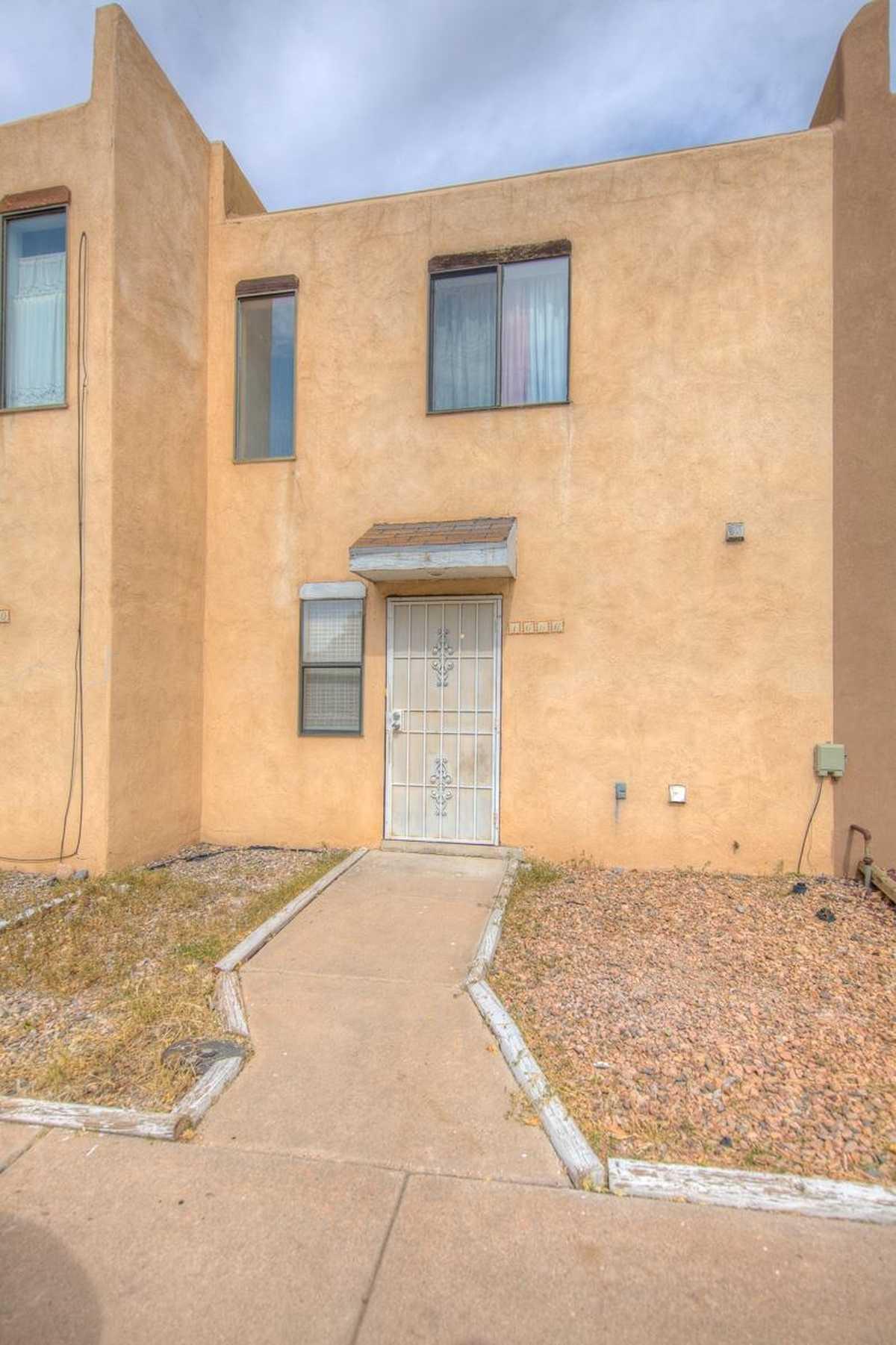 $209,000 - 2Br/2Ba -  for Sale in Santa Fe