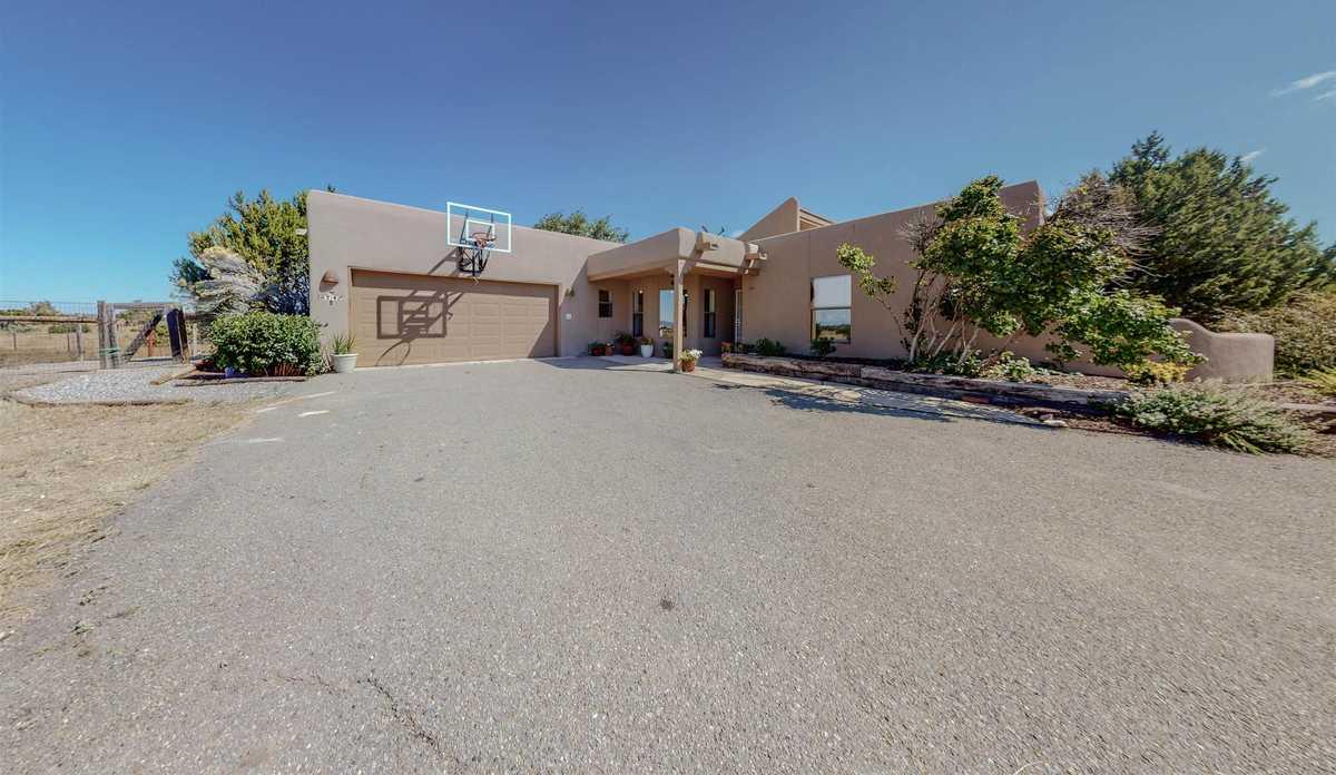 $520,000 - 3Br/2Ba -  for Sale in Santa Fe