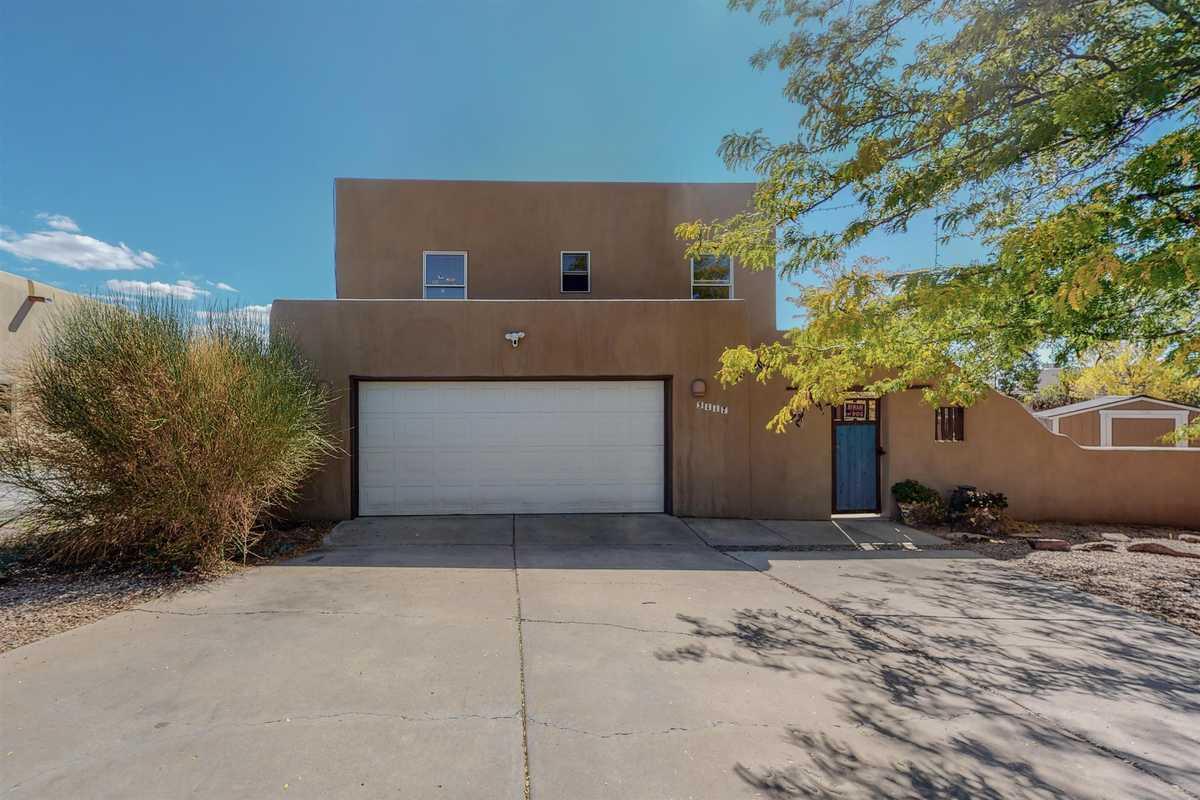 $585,000 - 4Br/3Ba -  for Sale in Santa Fe