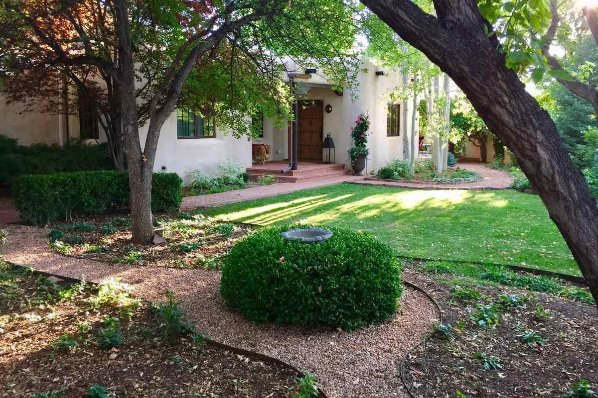 $3,350,000 - 4Br/5Ba -  for Sale in Santa Fe