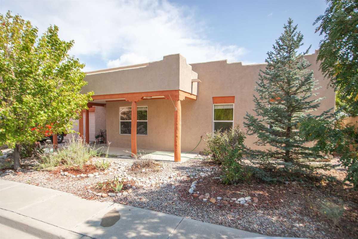 $497,000 - 3Br/2Ba -  for Sale in Santa Fe