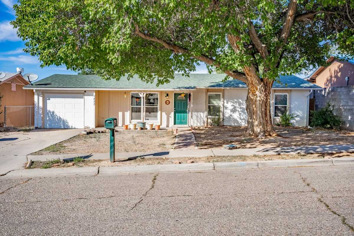 $215,000 - 4Br/2Ba -  for Sale in Espanola