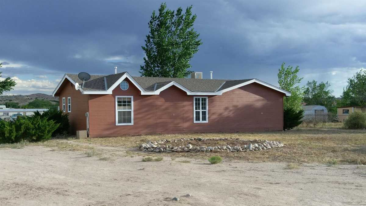 $300,000 - 3Br/2Ba -  for Sale in Espanola