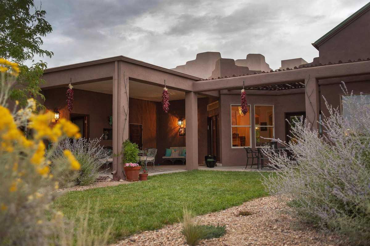$999,000 - 3Br/2Ba -  for Sale in Santa Fe