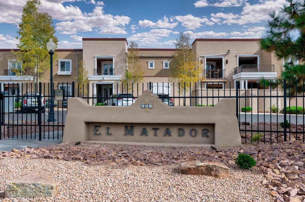 $385,000 - 2Br/2Ba -  for Sale in El Matador, Santa Fe