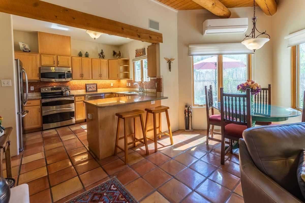 $369,000 - 3Br/3Ba -  for Sale in Villa De La Paz, Santa Fe