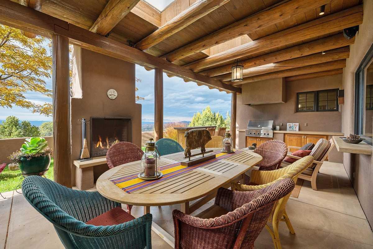 $3,900,000 - 4Br/4Ba -  for Sale in Santa Fe