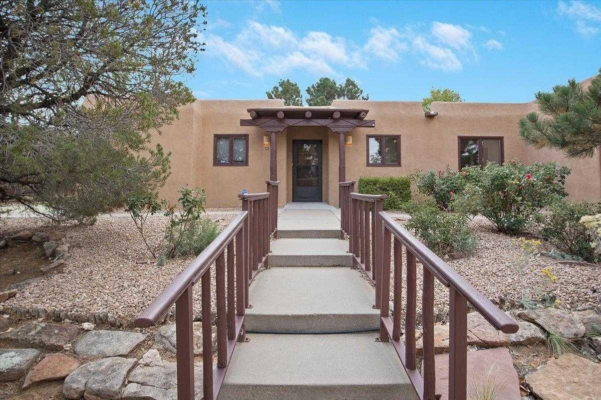 $575,000 - 4Br/2Ba -  for Sale in Santa Fe